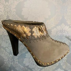 SERGIO ROSSI Tan Suede Clogs/Heels w/ Gold Rivet Accent